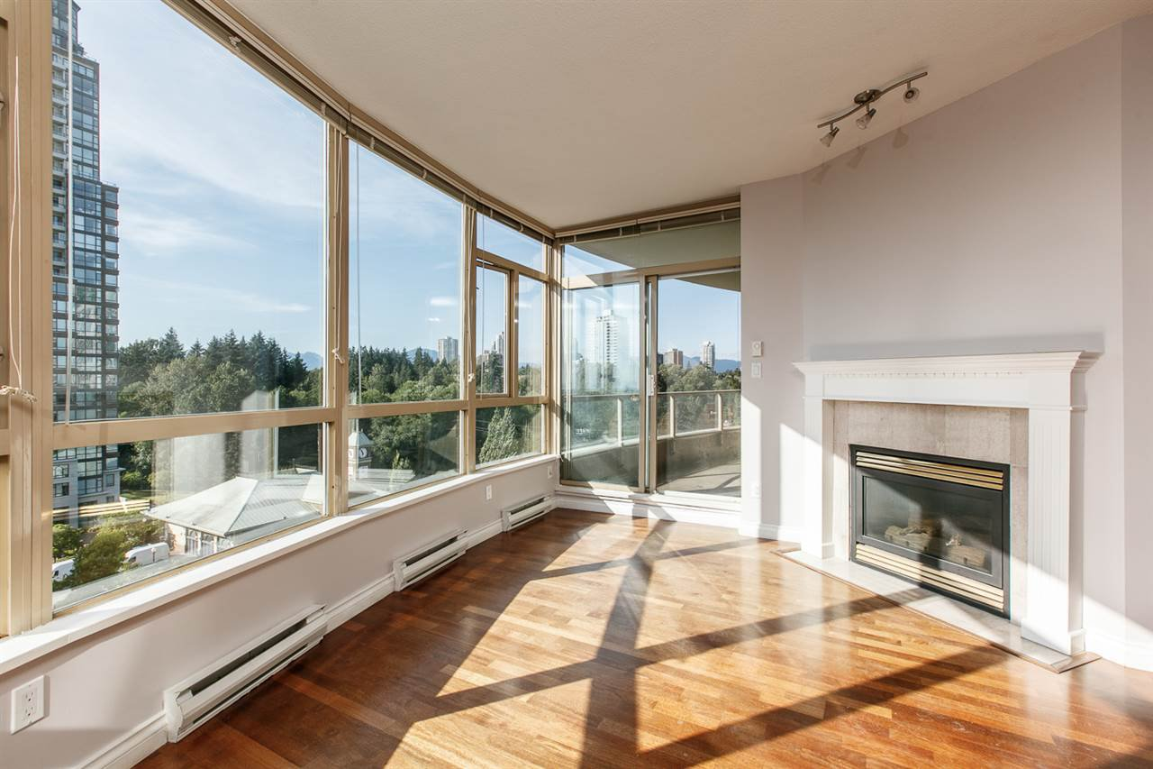 "Main Photo: 902 6838 STATION HILL Drive in Burnaby: South Slope Condo for sale in ""BELGRAVIA"" (Burnaby South)  : MLS®# R2289746"
