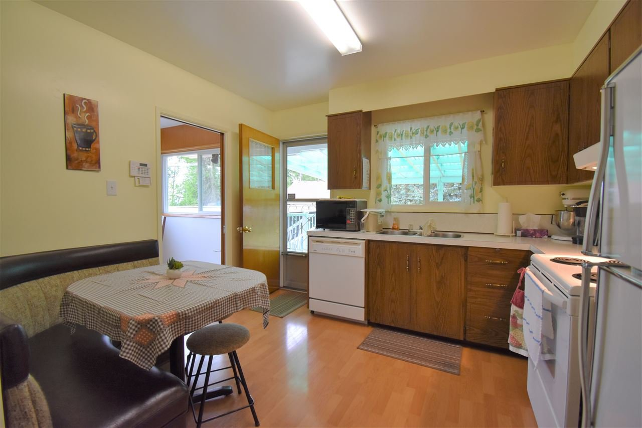 Photo 8: Photos: 7547 BRISKHAM Street in Mission: Mission BC House for sale : MLS®# R2374462
