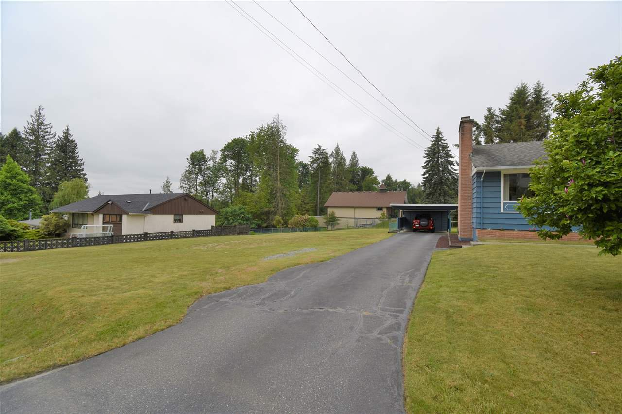 Photo 3: Photos: 7547 BRISKHAM Street in Mission: Mission BC House for sale : MLS®# R2374462