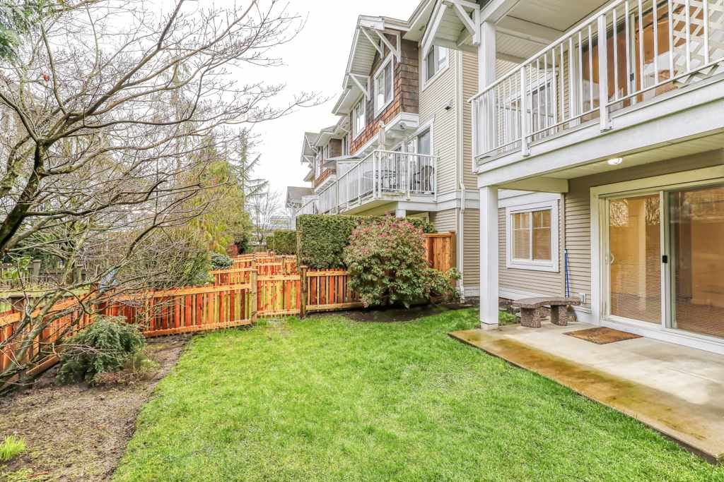 "Photo 20: Photos: 82 20760 DUNCAN Way in Langley: Langley City Townhouse for sale in ""WYNDHAM LANE"" : MLS®# R2442242"