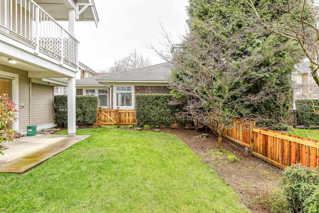 "Photo 19: Photos: 82 20760 DUNCAN Way in Langley: Langley City Townhouse for sale in ""WYNDHAM LANE"" : MLS®# R2442242"