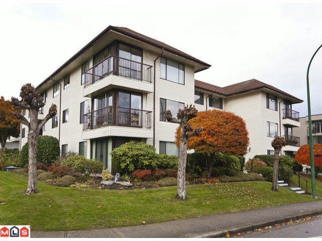 "Main Photo: 102 15317 THRIFT Avenue: White Rock Condo for sale in ""THE NOTTINGHAM"" (South Surrey White Rock)  : MLS®# F1127504"