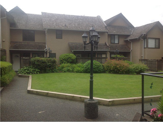 Main Photo: # 1 237 W 16TH ST in North Vancouver: Central Lonsdale Townhouse for sale : MLS®# V1012508