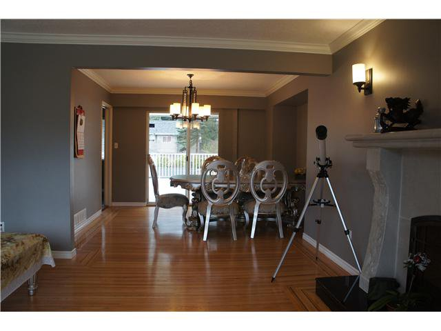 Photo 2: Photos: 4676 W 15TH Avenue in Vancouver: Point Grey House for sale (Vancouver West)  : MLS®# V1051462