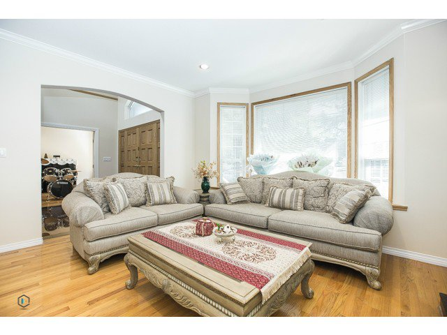 Photo 7: Photos: 6463 LAKEVIEW Avenue in Burnaby: Upper Deer Lake House for sale (Burnaby South)  : MLS®# V1084400