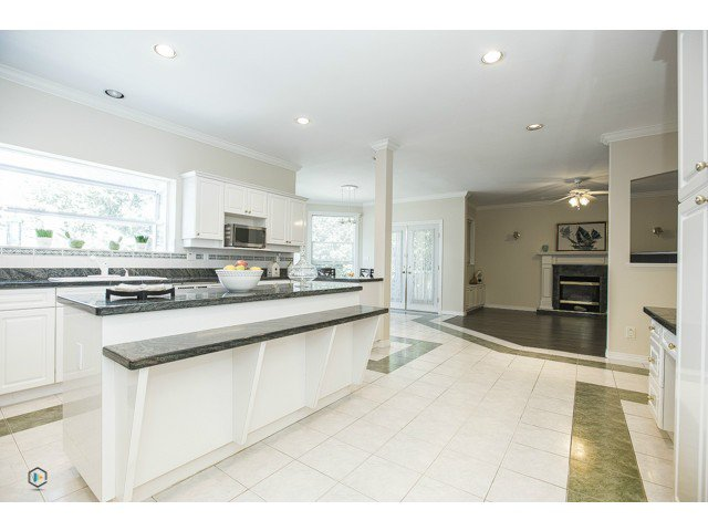 Photo 9: Photos: 6463 LAKEVIEW Avenue in Burnaby: Upper Deer Lake House for sale (Burnaby South)  : MLS®# V1084400