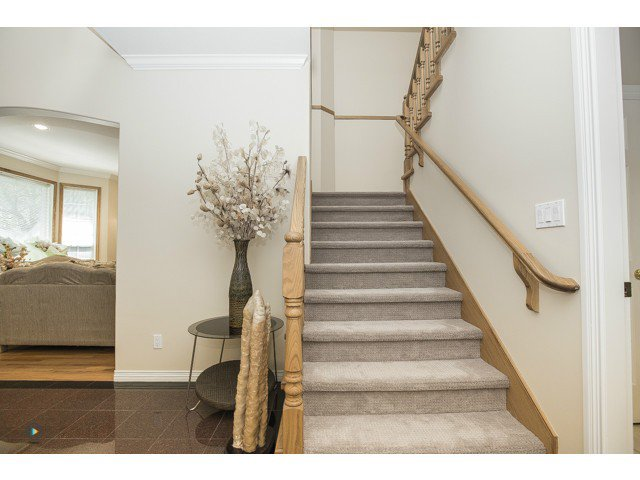 Photo 12: Photos: 6463 LAKEVIEW Avenue in Burnaby: Upper Deer Lake House for sale (Burnaby South)  : MLS®# V1084400