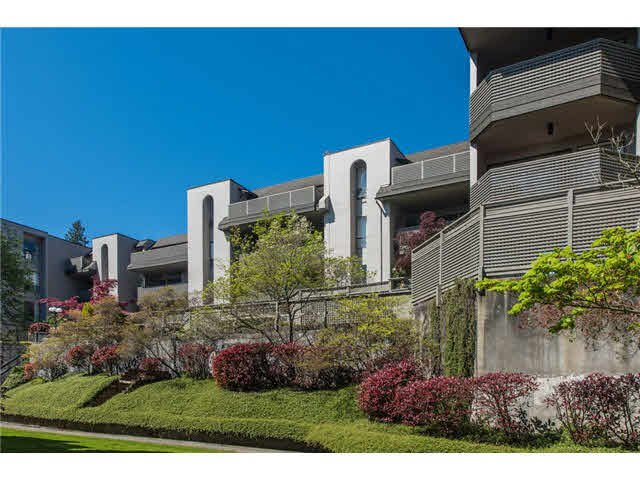"""Main Photo: 106 1955 WOODWAY Place in Burnaby: Brentwood Park Condo for sale in """"DOUGLAS VIEW"""" (Burnaby North)  : MLS®# V1117607"""