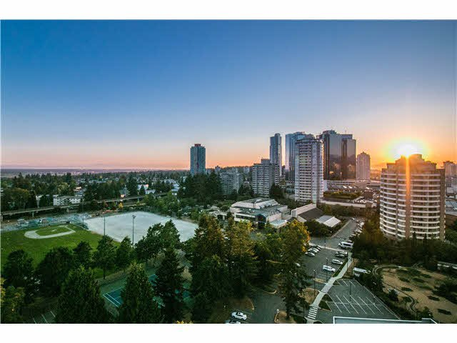 "Main Photo: 2008 6588 NELSON Avenue in Burnaby: Metrotown Condo for sale in ""THE MET"" (Burnaby South)  : MLS®# V1132470"