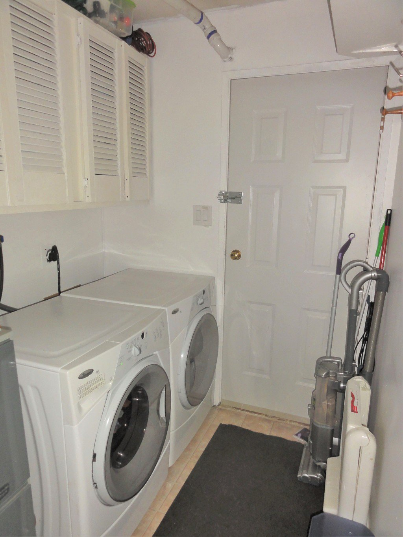 Photo 15: Photos: 17338 58A Avenue in Surrey: Cloverdale BC House for sale (Cloverdale)  : MLS®# R2050224