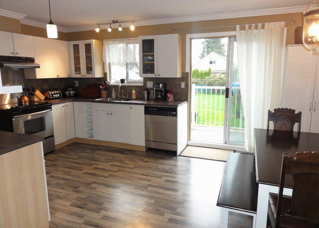 Photo 7: Photos: 17338 58A Avenue in Surrey: Cloverdale BC House for sale (Cloverdale)  : MLS®# R2050224