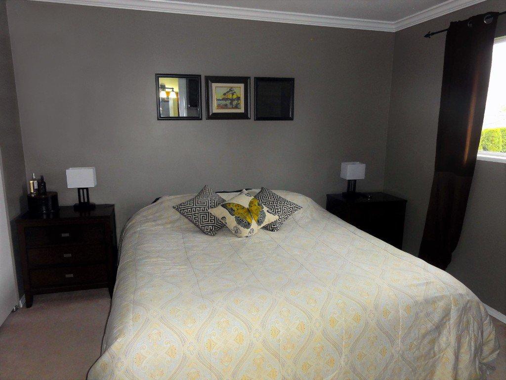 Photo 13: Photos: 17338 58A Avenue in Surrey: Cloverdale BC House for sale (Cloverdale)  : MLS®# R2050224