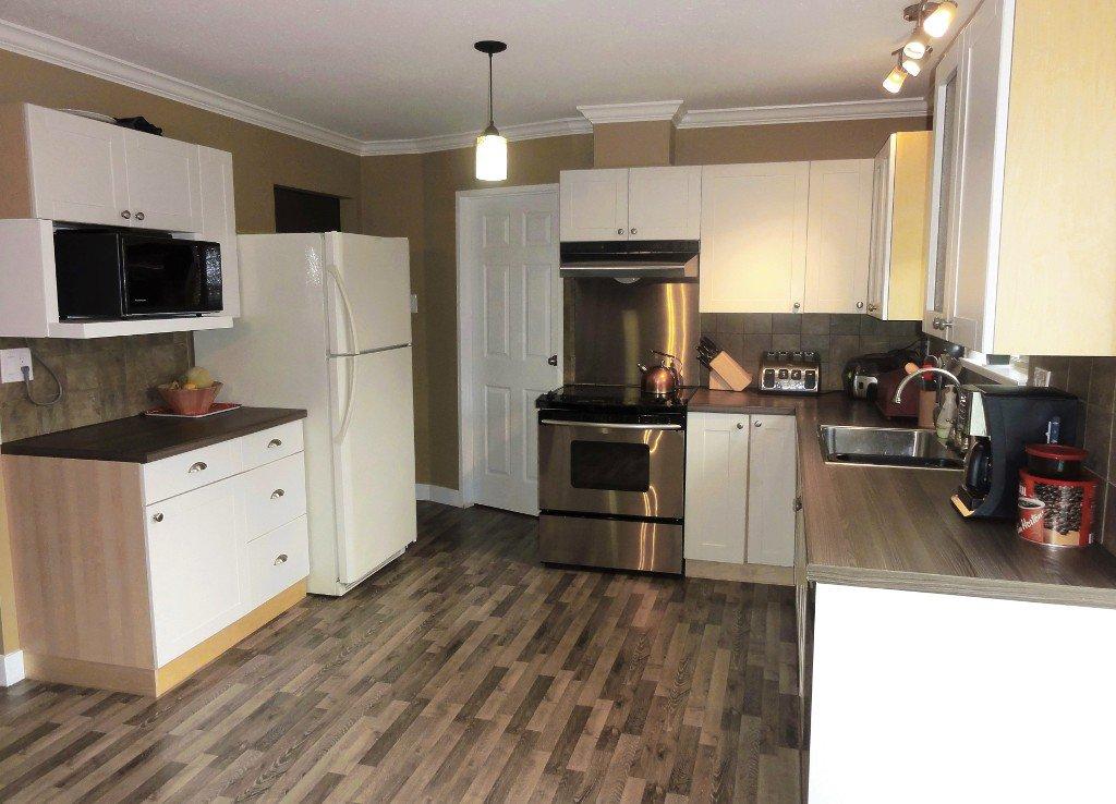 Photo 6: Photos: 17338 58A Avenue in Surrey: Cloverdale BC House for sale (Cloverdale)  : MLS®# R2050224