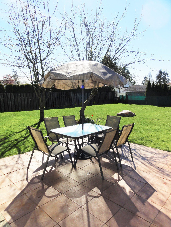 Photo 8: Photos: 17338 58A Avenue in Surrey: Cloverdale BC House for sale (Cloverdale)  : MLS®# R2050224