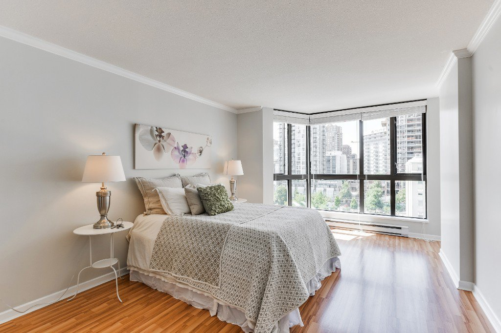 "Main Photo: 906 488 HELMCKEN Street in Vancouver: Yaletown Condo for sale in ""Robinson Tower"" (Vancouver West)  : MLS®# R2086319"