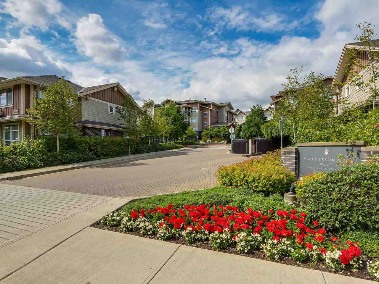 """Main Photo: 402 5665 IRMIN Street in Burnaby: Metrotown Condo for sale in """"MACOHERSON WEST"""" (Burnaby South)  : MLS®# R2089049"""