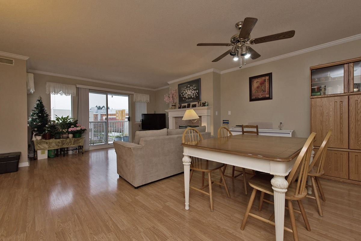 """Photo 3: Photos: 313 9765 140TH Street in Surrey: Whalley Condo for sale in """"Fraser Gate"""" (North Surrey)  : MLS®# R2091811"""