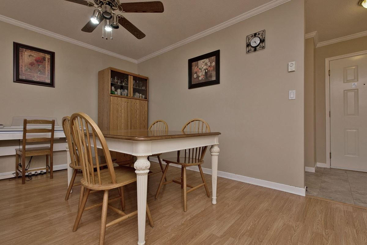 """Photo 4: Photos: 313 9765 140TH Street in Surrey: Whalley Condo for sale in """"Fraser Gate"""" (North Surrey)  : MLS®# R2091811"""