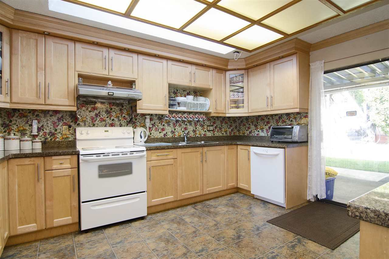 Main Photo: 438 E BRAEMAR Road in North Vancouver: Upper Lonsdale House for sale : MLS®# R2100624