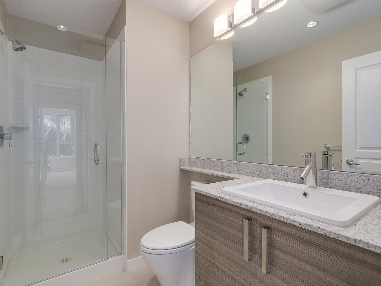 """Photo 10: Photos: 108 1150 KENSAL Place in Coquitlam: New Horizons Condo for sale in """"Windsor Gate"""" : MLS®# R2102595"""