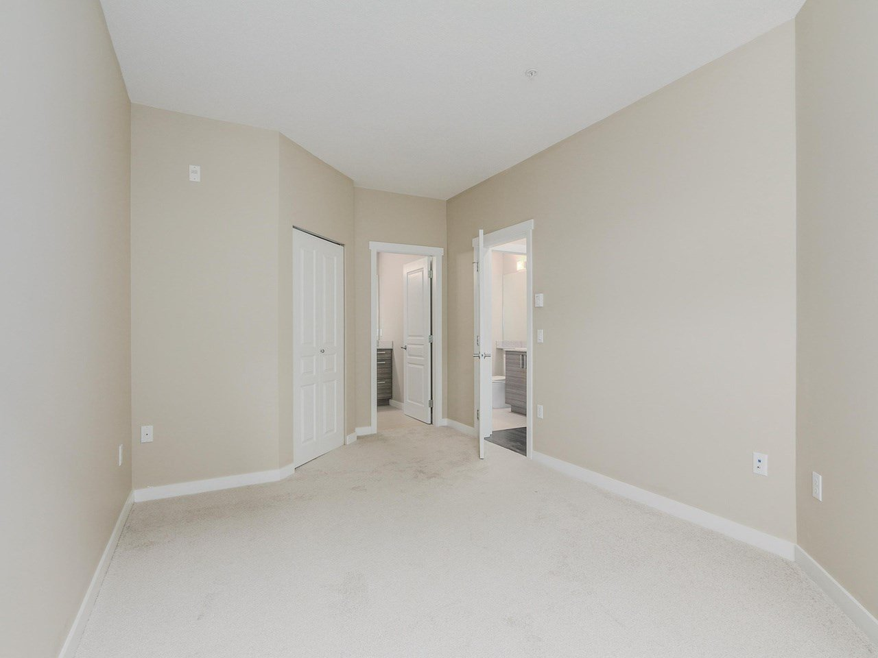 """Photo 6: Photos: 108 1150 KENSAL Place in Coquitlam: New Horizons Condo for sale in """"Windsor Gate"""" : MLS®# R2102595"""