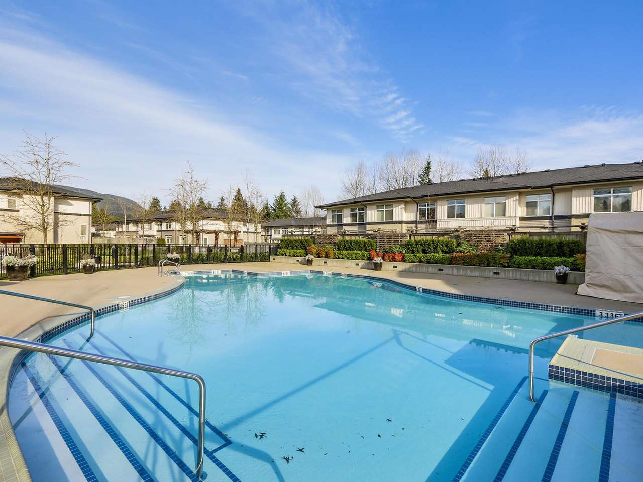 """Photo 16: Photos: 108 1150 KENSAL Place in Coquitlam: New Horizons Condo for sale in """"Windsor Gate"""" : MLS®# R2102595"""