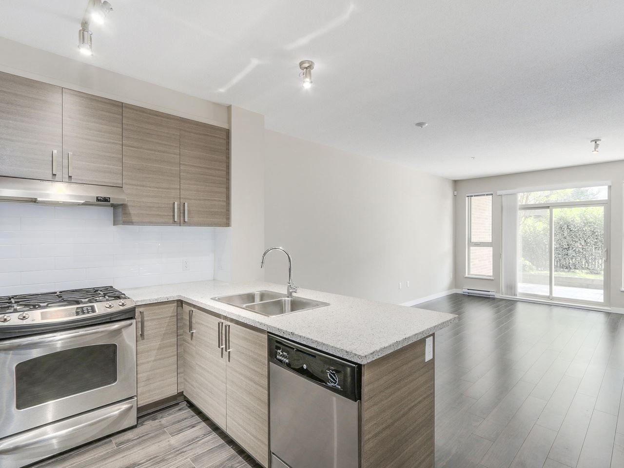 """Photo 4: Photos: 108 1150 KENSAL Place in Coquitlam: New Horizons Condo for sale in """"Windsor Gate"""" : MLS®# R2102595"""