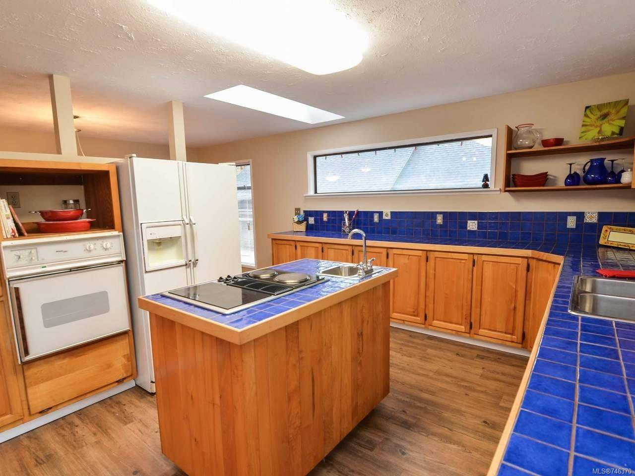 Photo 18: Photos: 1720 Galerno Rd in CAMPBELL RIVER: CR Campbell River Central House for sale (Campbell River)  : MLS®# 746370