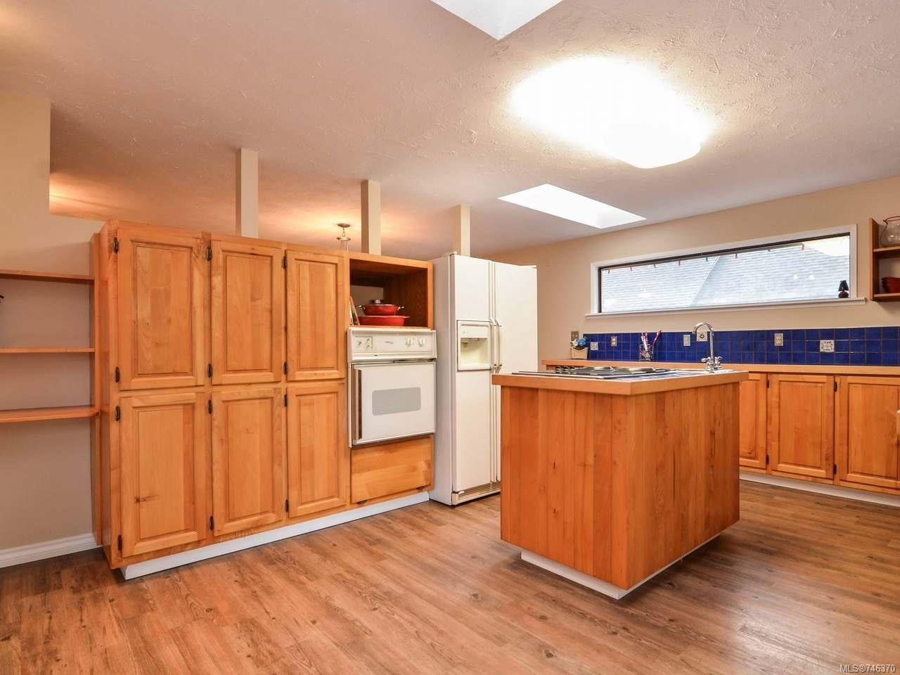 Photo 21: Photos: 1720 Galerno Rd in CAMPBELL RIVER: CR Campbell River Central House for sale (Campbell River)  : MLS®# 746370