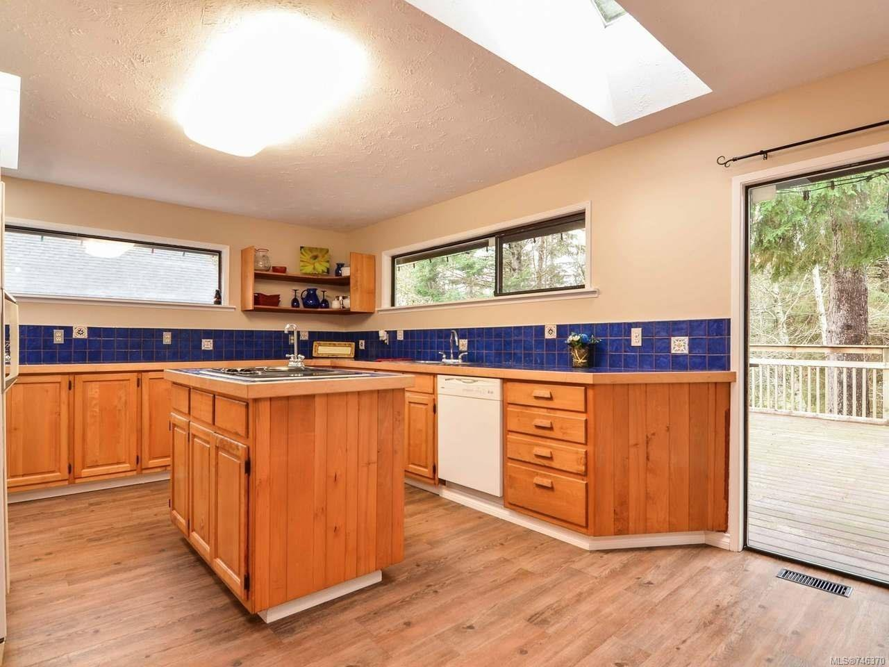 Photo 13: Photos: 1720 Galerno Rd in CAMPBELL RIVER: CR Campbell River Central House for sale (Campbell River)  : MLS®# 746370