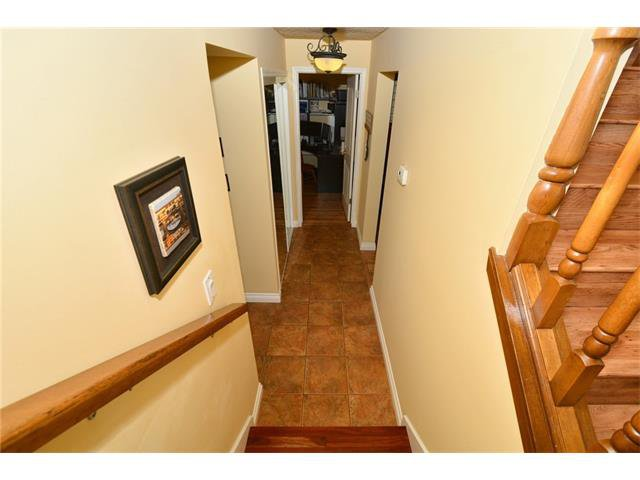Photo 25: Photos: 16 GLENWOOD Court: Cochrane House for sale : MLS®# C4109364