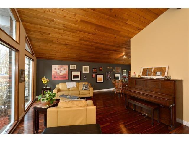 Photo 6: Photos: 16 GLENWOOD Court: Cochrane House for sale : MLS®# C4109364