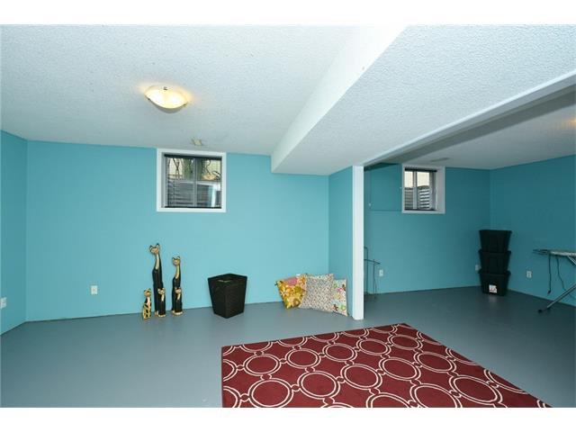 Photo 31: Photos: 16 GLENWOOD Court: Cochrane House for sale : MLS®# C4109364