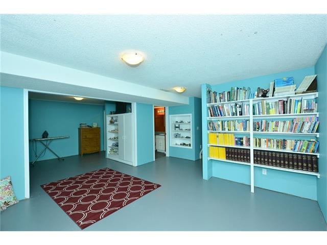Photo 32: Photos: 16 GLENWOOD Court: Cochrane House for sale : MLS®# C4109364