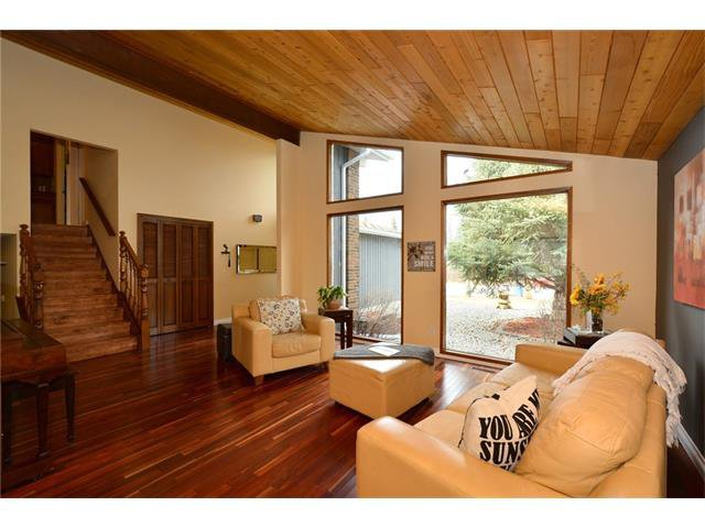 Photo 8: Photos: 16 GLENWOOD Court: Cochrane House for sale : MLS®# C4109364
