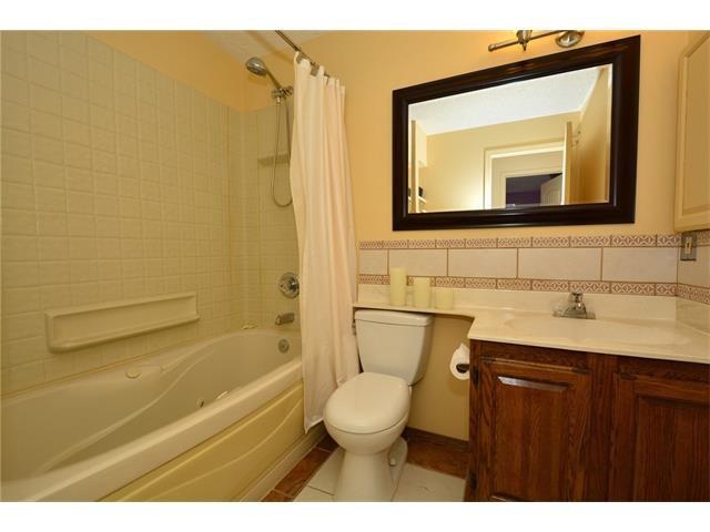 Photo 24: Photos: 16 GLENWOOD Court: Cochrane House for sale : MLS®# C4109364