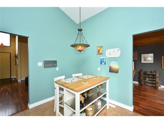 Photo 12: Photos: 16 GLENWOOD Court: Cochrane House for sale : MLS®# C4109364