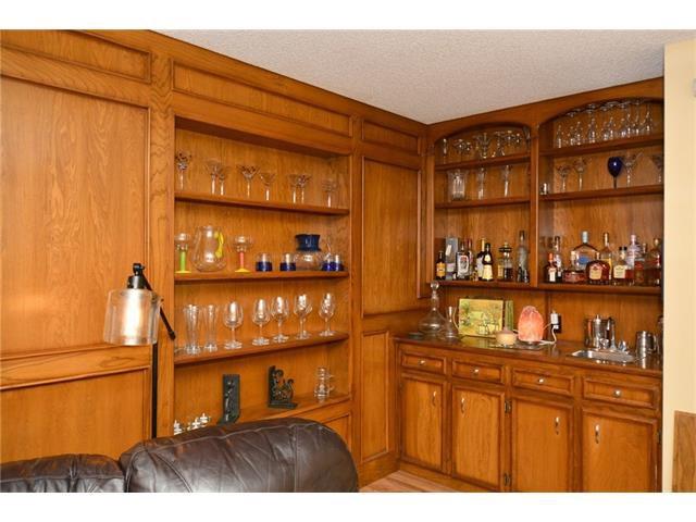 Photo 28: Photos: 16 GLENWOOD Court: Cochrane House for sale : MLS®# C4109364