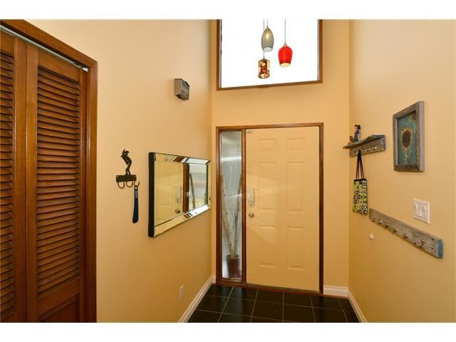 Photo 3: Photos: 16 GLENWOOD Court: Cochrane House for sale : MLS®# C4109364