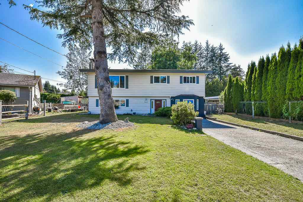 "Main Photo: 7883 TEAL Place in Mission: Mission BC House for sale in ""West Heights"" : MLS®# R2290878"