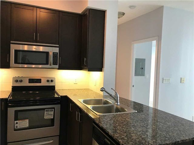 Photo 3: Photos: 2201 90 Absolute Avenue in Mississauga: City Centre Condo for lease : MLS®# W4223288