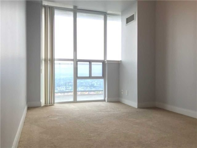 Photo 11: Photos: 2201 90 Absolute Avenue in Mississauga: City Centre Condo for lease : MLS®# W4223288