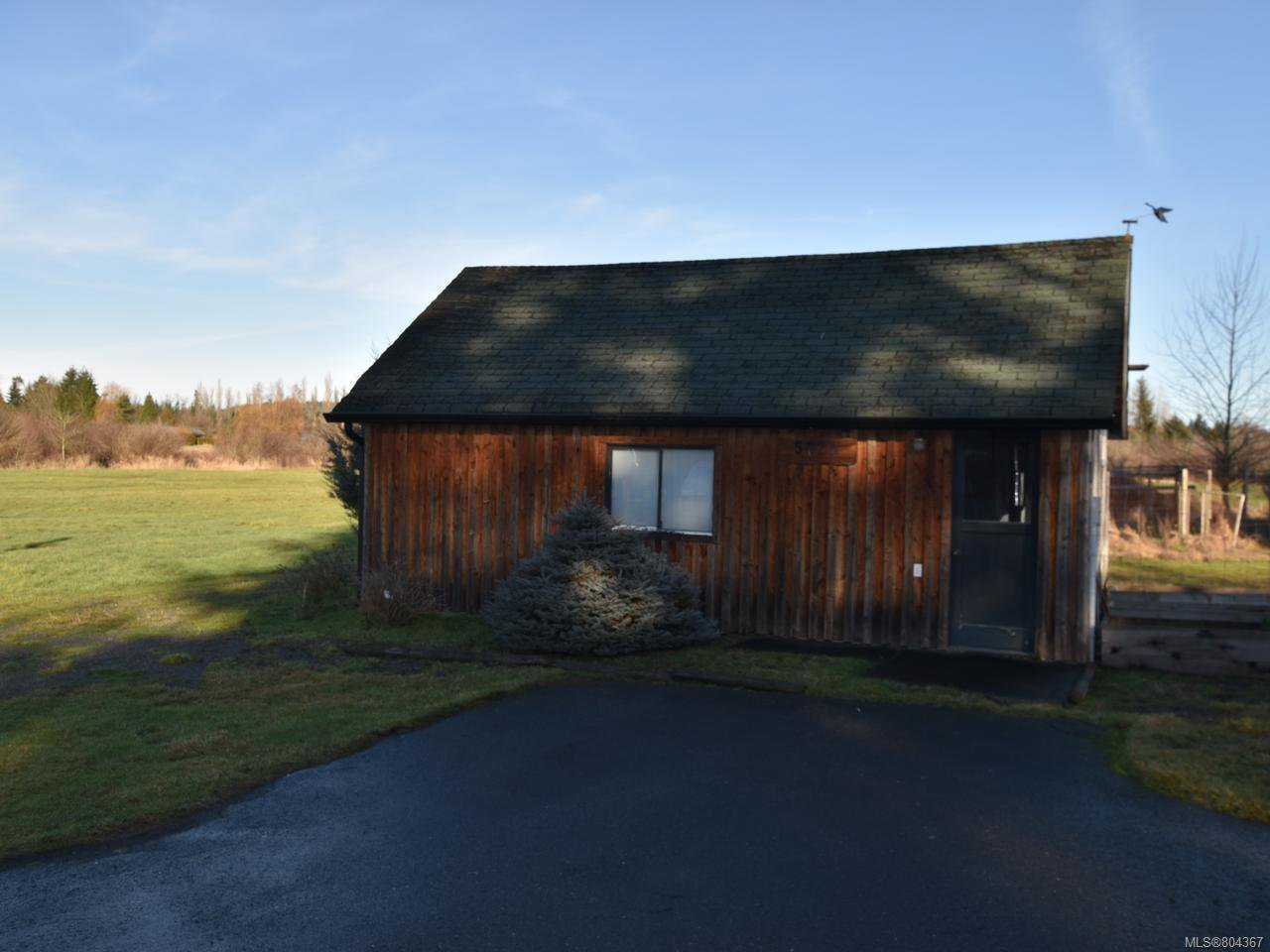 Photo 5: Photos: 5028 Headquarters Rd in COURTENAY: CV Courtenay North House for sale (Comox Valley)  : MLS®# 804367