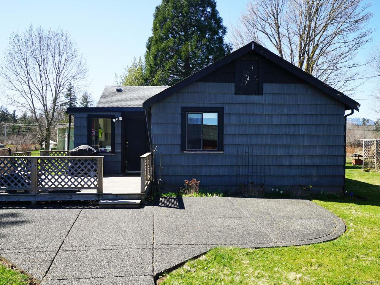 Photo 3: Photos: 5028 Headquarters Rd in COURTENAY: CV Courtenay North House for sale (Comox Valley)  : MLS®# 804367
