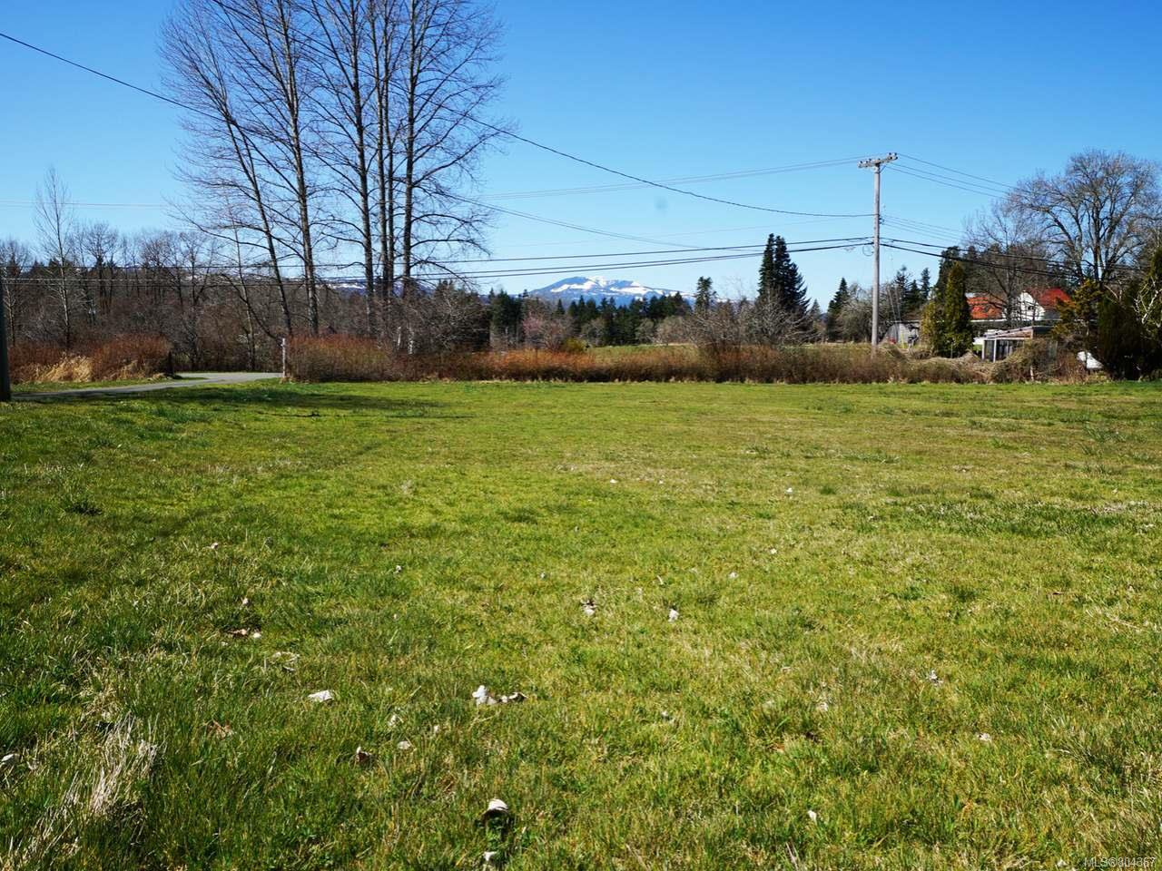 Photo 2: Photos: 5028 Headquarters Rd in COURTENAY: CV Courtenay North House for sale (Comox Valley)  : MLS®# 804367
