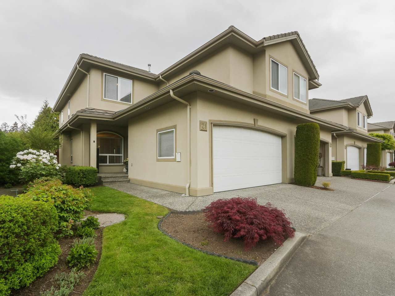 "Main Photo: 21 998 RIVERSIDE Drive in Port Coquitlam: Riverwood Townhouse for sale in ""PARKSIDE PLACE"" : MLS®# R2371728"