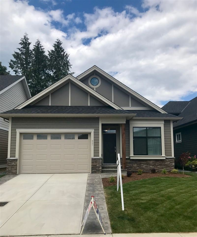 """Main Photo: 647 SCHOONER Place: Harrison Hot Springs House for sale in """"SPINNAKER WYND"""" : MLS®# R2384172"""
