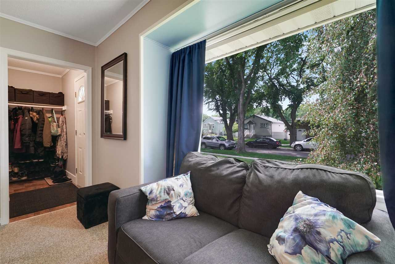 Photo 10: Photos: 12143 60 Street in Edmonton: Zone 06 House for sale : MLS®# E4164276