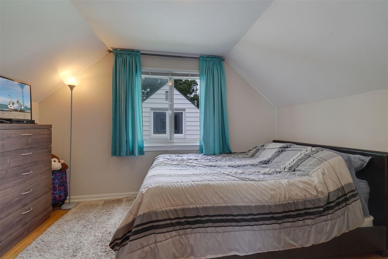 Photo 18: Photos: 12143 60 Street in Edmonton: Zone 06 House for sale : MLS®# E4164276