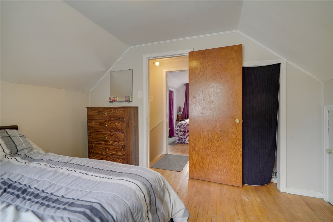 Photo 19: Photos: 12143 60 Street in Edmonton: Zone 06 House for sale : MLS®# E4164276